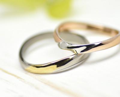 moon lakeウエーブとコンビの結婚指輪