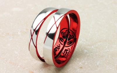 家紋のカラー彫刻の結婚指輪