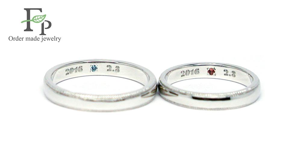 w1062-R01オーダーメイド結婚指輪 内側刻印 誕生石