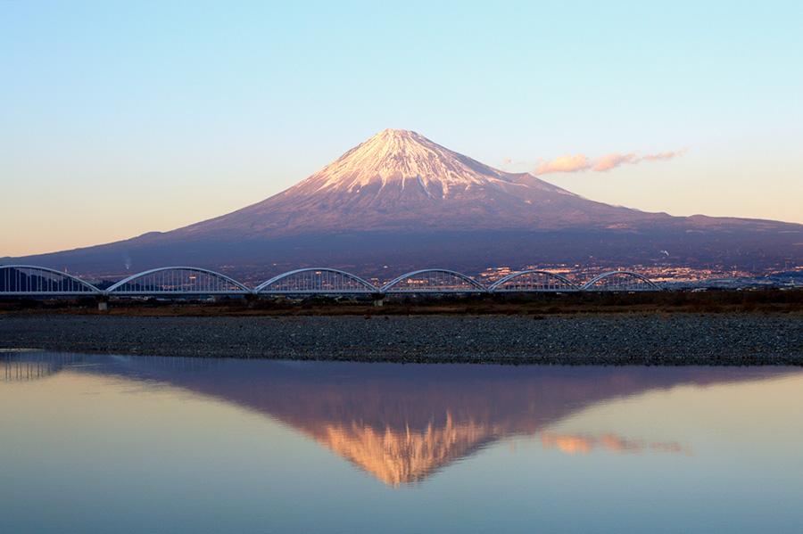 hi170617w1073-i 結婚指輪のモチーフ 逆さ富士