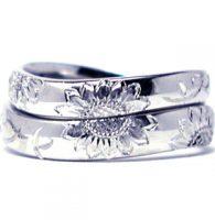 13.手彫りのヒマワリの結婚指輪