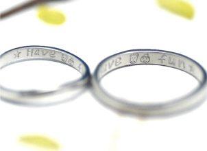 似顔絵を手描きした結婚指輪‐whm008
