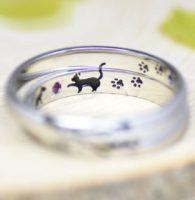 7.黒猫と足跡を内彫りした結婚指輪