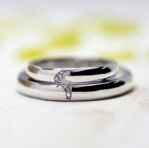 2、ペンギンと星を描いた結婚指輪