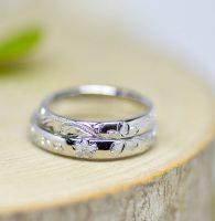合わせると手彫りの桜が浮かぶ結婚指輪
