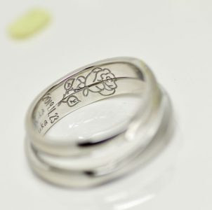 大好きな薔薇を手描き刻印した結婚指輪