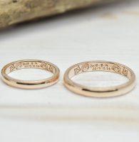 愛猫と似顔絵と記念日の手描きを彫刻した結婚指輪