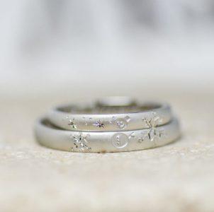 雪だるまと雪の結晶を手彫りした結婚指輪