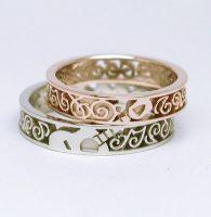 ギターと音符と音楽好きな二人のオーダー結婚指輪