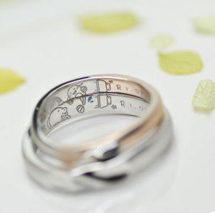 机とナマズと猫を手描き刻印した結婚指輪