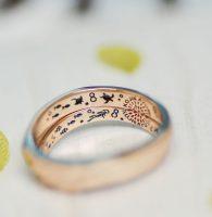 趣味のスキューバーダイビングの風景をカラー彫刻した結婚指輪