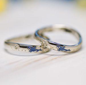 シャチが大好きな二人がオーダーした結婚指輪
