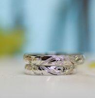 プルメリアなどハワイアンモチーフの手彫り結婚指輪