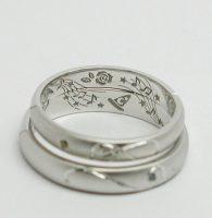 薔薇と音楽とふたりの趣味をオーダー刻印した結婚指輪600や