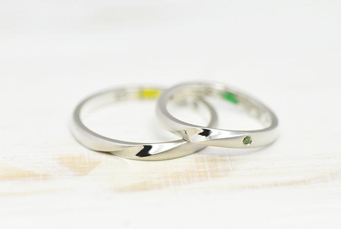 w1220結婚指輪 おもて面はシンプルなコンビネーションリング
