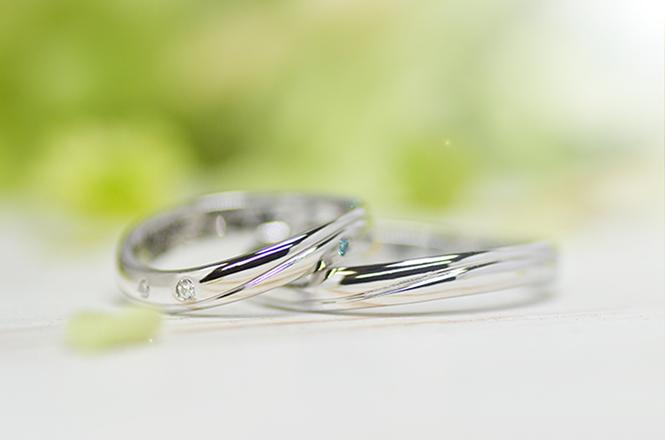 w1229結婚指輪のおもて面はシンプルなデザインで