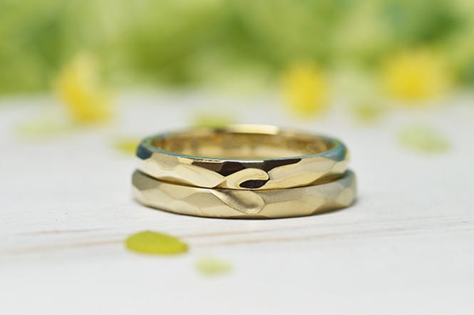 w1249結婚指輪おもて面 リングを重ねると見える合わせハート